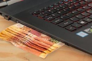 Come lavorare da casa e guadagnare soldi extra ogni mese